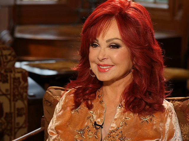 Naomi Judd on Ashley's Cirque-Style Workout: 'It's the Strangest Yoga I've  Ever Seen'