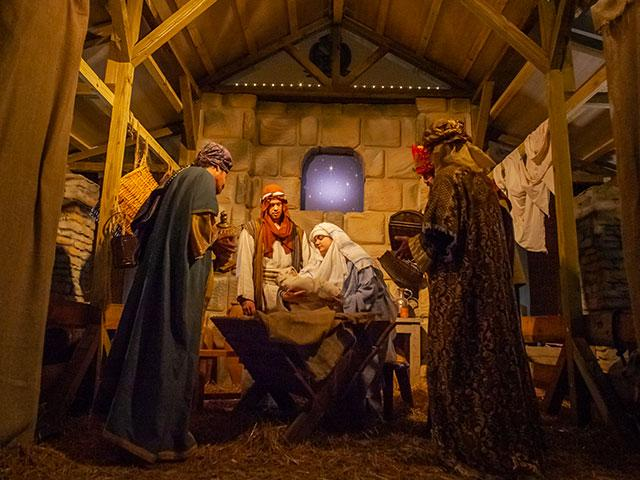 CBN-nativity-manger_si.jpg