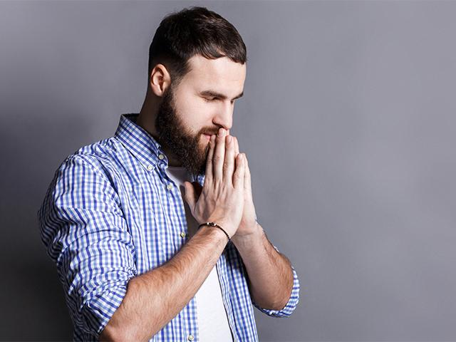 bearded-man-praying_si.jpg