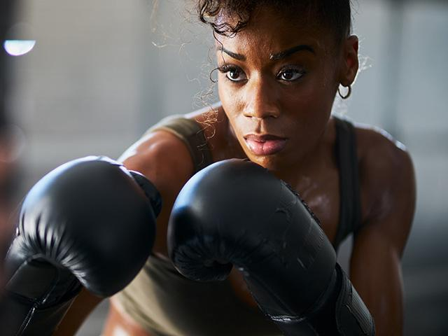 african american woman boxing