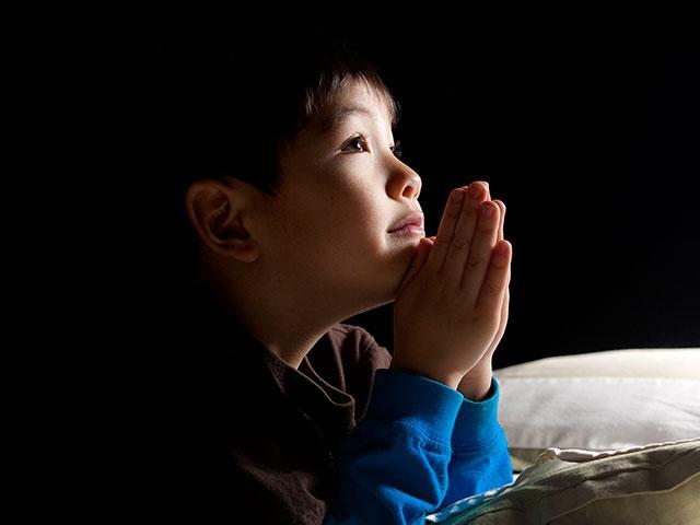 boy-child-pray_si.jpg