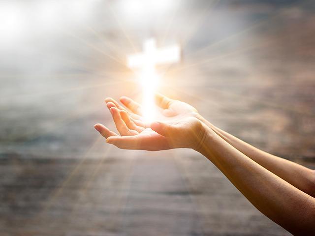 bright-cross-hands_si.jpg