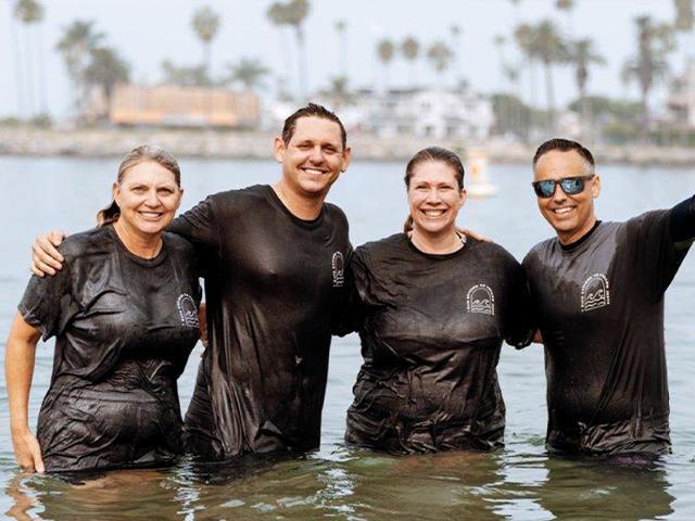 California Church Celebrates Nearly 1,000 People Baptized on Beach