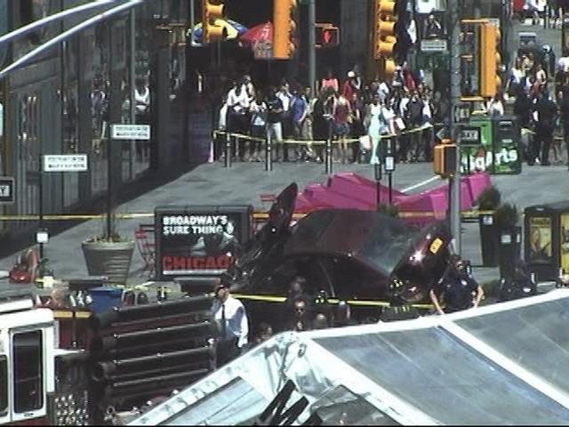car_crash_times_square