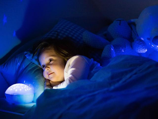 child-bedtime-dark_si.jpg