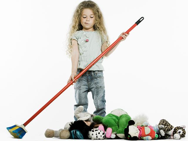 child_sweeping