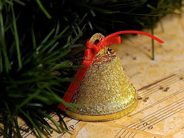 christmas-carol-manger