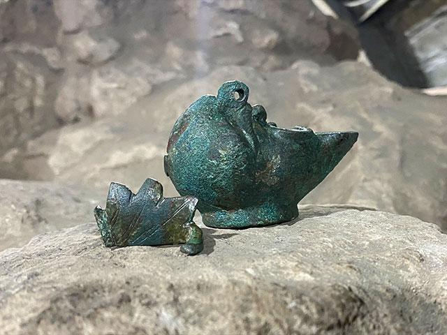 Rare Oil Lamp Found Along Pilgrim's Path in City of David