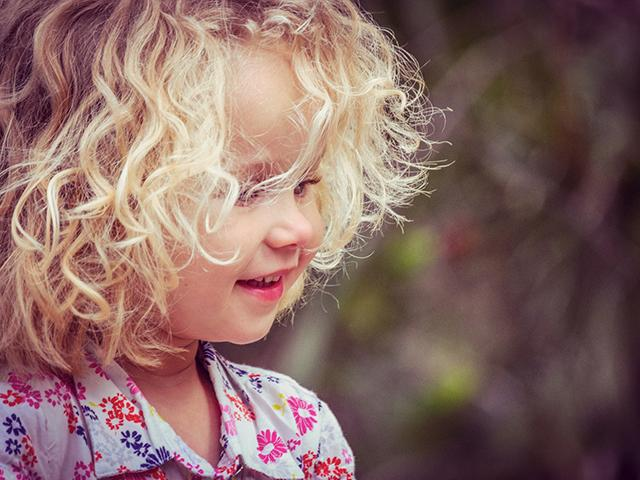 curly-blonde-child_si.jpg