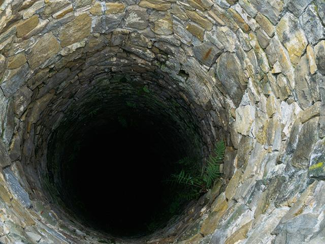 deep-brick-well_SI.jpg