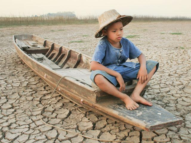 dry-earth-child_si.jpg