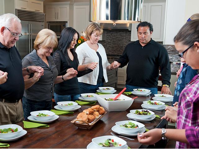 family-grace-meal_SI.jpg