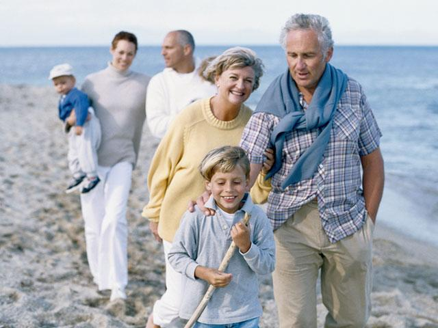 father-family-beach