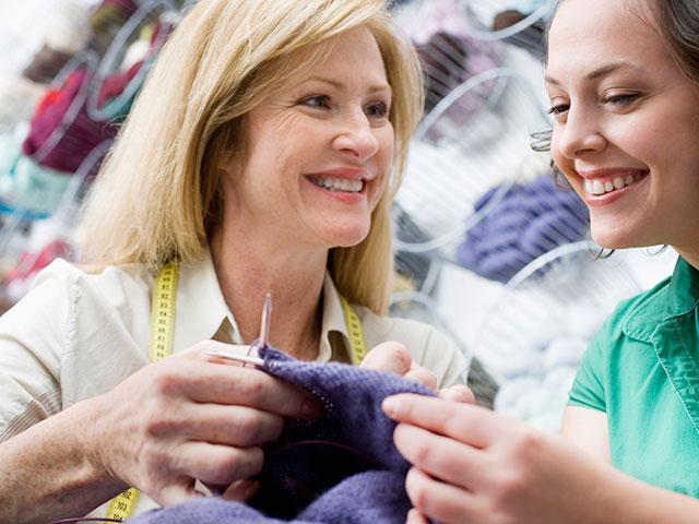 friends_knitting