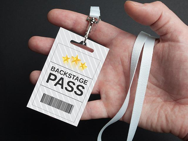 hand-backstage-pass_si.jpg