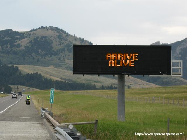 interstate-bicycling-sign_si.jpg