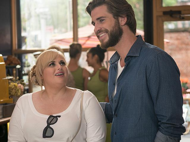 Rebel Wilson and Liam Hemsworth in Isn