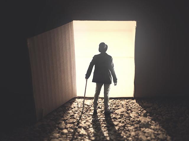 man-open-door-light_si.jpg