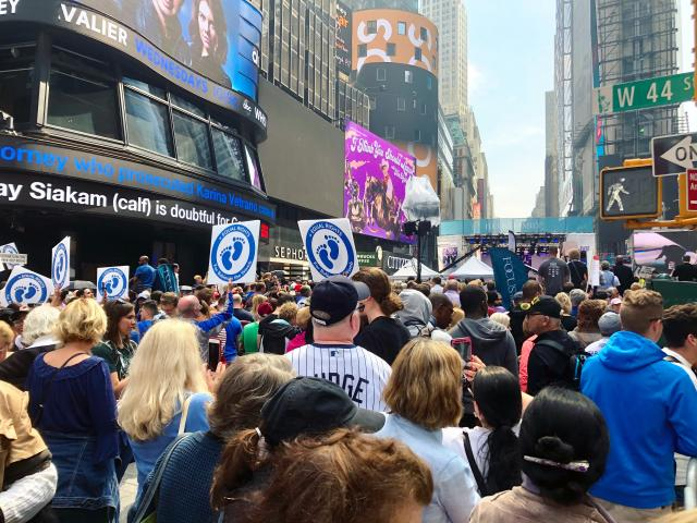 "Thousands packed New York City's Times Square on Saturday for the ""Alive from New York"" event. (Image credit: Jenna Browder, CBN News)"