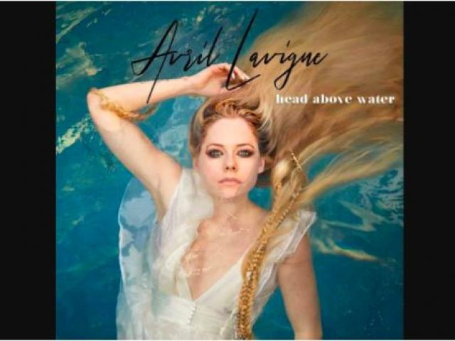 Image source: Facebook / Avril Lavigne