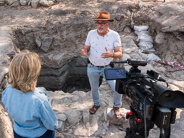 Middle East Correspondent Julie Stahl Interviews Dr. Mordechai Aviam, Photo, Jonathan Goff