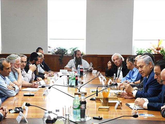 Israeli Prime Minister Benjamin Netanyahu Meets with Local Council Heads from Judea and Samaria, Photo, GPO, Haim Zach