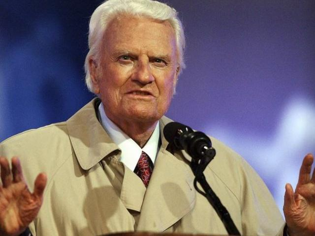 Billy Graham's body will be brought to his hometown of Charlotte on Saturday.