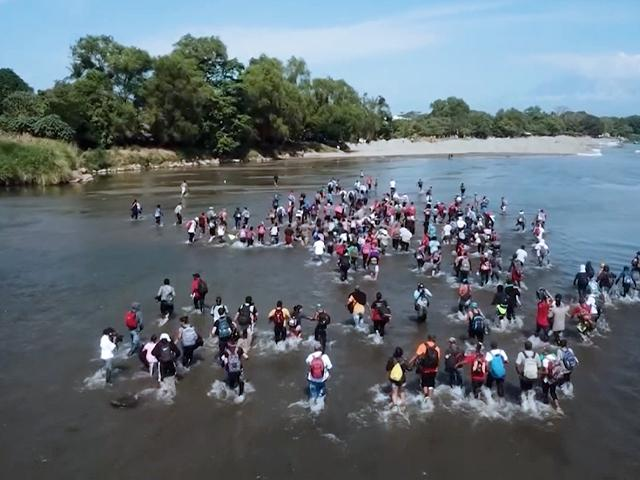 Migrants Crossing the Rio Grande River into the US