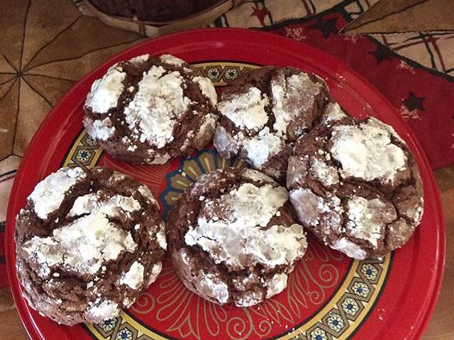 Chocolate snowflakes cookies