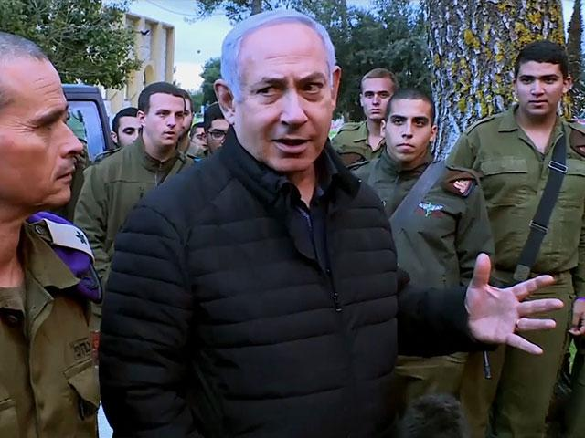 Israeli Prime Minister Benjamin Netanyahu with IDF Troops in the North