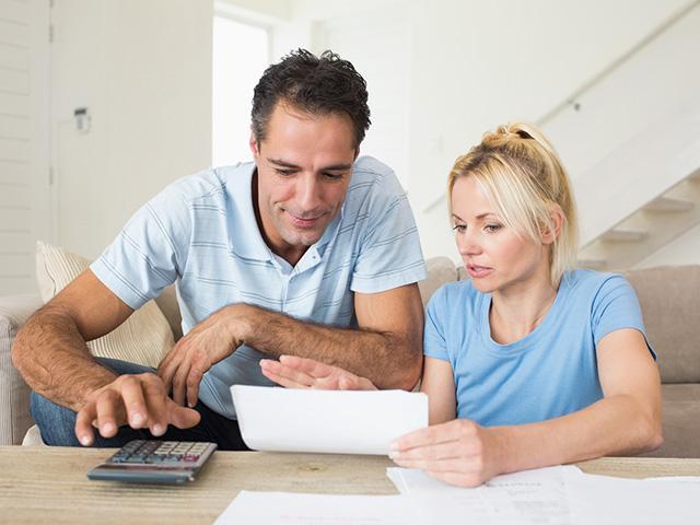 couple-bills-taxes