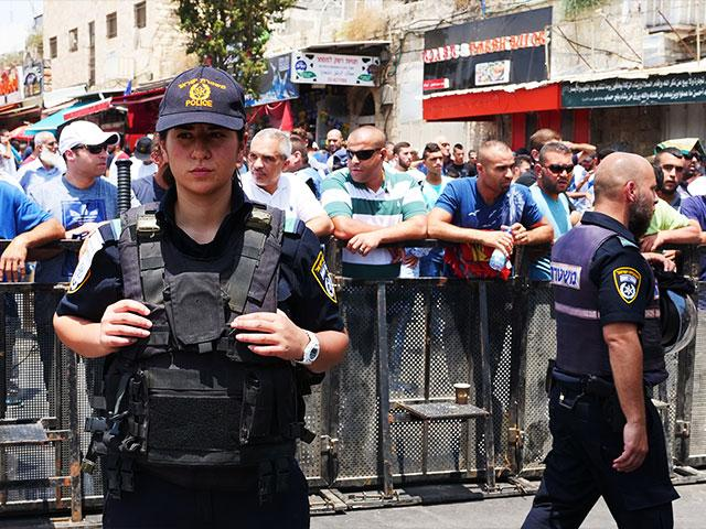 Security Detail at Damascus Gate, Photo, Israel Police Spokesman's Office