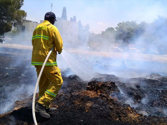 Battling Fires in Southern Israel, Photo, CBN News, Jonathan Goff
