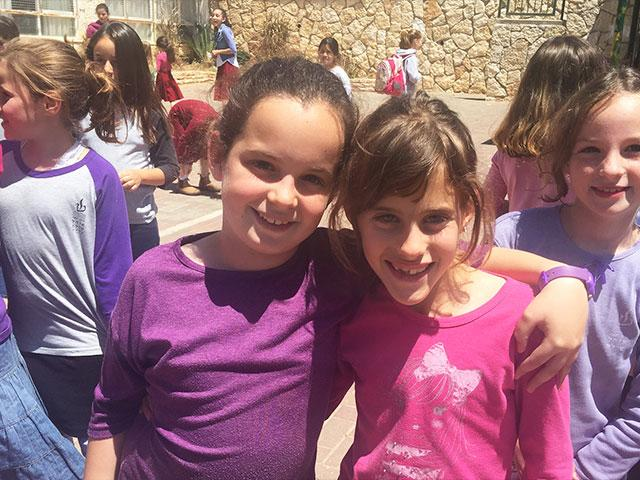 Israeli School Girls in Shiloh, CBN News image, Tzippe Barrow