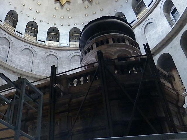 Repairs on Church of the Holy Sepulcher, CBN News image, Jonathan Goff