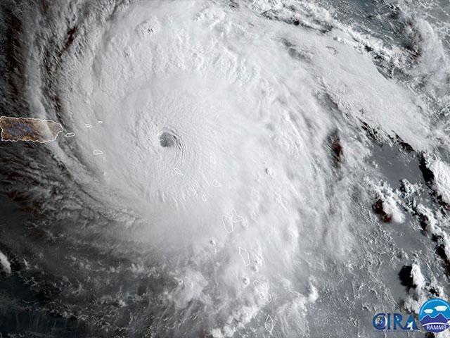 Huracán Irma se desplaza por el Caribe.