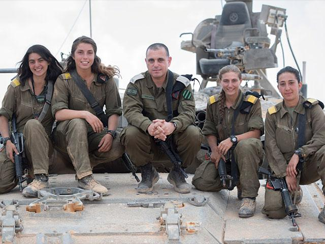 Israel's First Female Tank Commanders, Photo, IDF Spokesman's Office