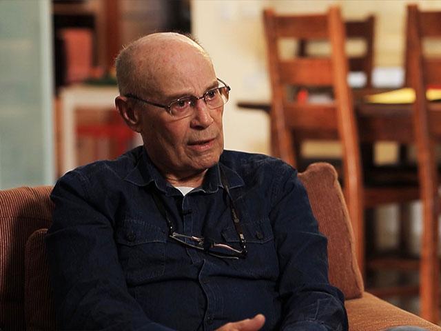 Arik Achmon in his Tel Aviv Home, CBN News image