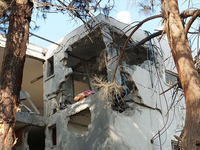 Rocket Damage in Ashkelon, Photo, CBN News, Jonathan Goff