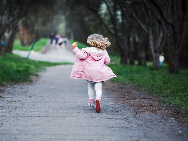 littlegirlrunningas