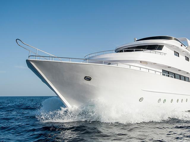 luxury-rich-yacht