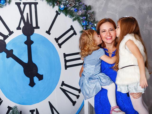 Mom celebrates new year with kids