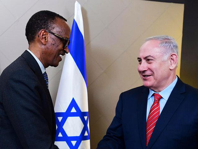 Israeli PM Benjamin Netanyahu with Rwandan President Paul Kagame, Photo, GPO