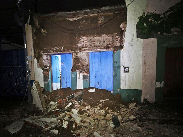 Debris from 8-Magnitude Earthquake in Oaxaca, Mexico, Photo, AP