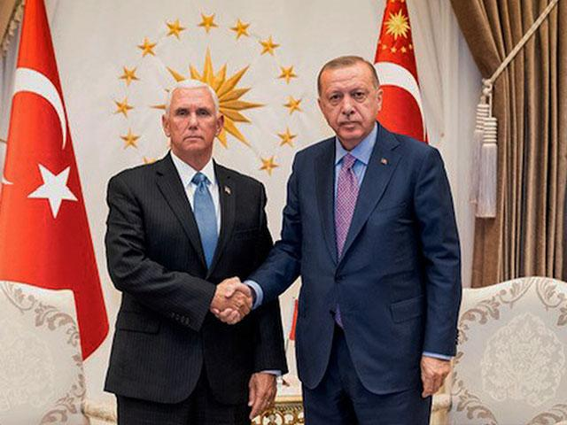 US Vice President Mike Pence meets with Turkish President Recep Tayyip Erdogan. (Official White House Photo Myles Cullen)