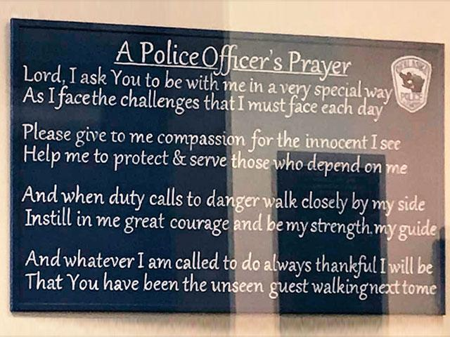 policeofficersprayer