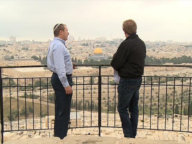 Chaim Silberstein and Scott Ross, CBN News image