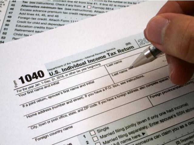 how to get an update on your tax returen
