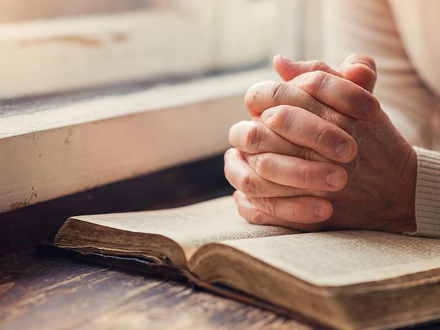 woman-bible
