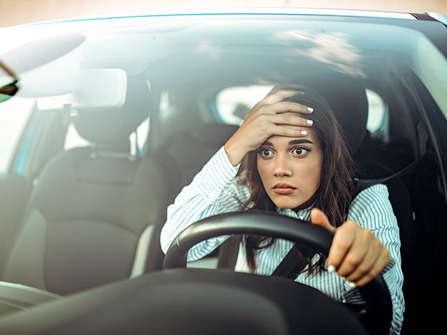 woman-disbelief-driving_si.jpg